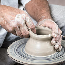 Making ceramic pottery